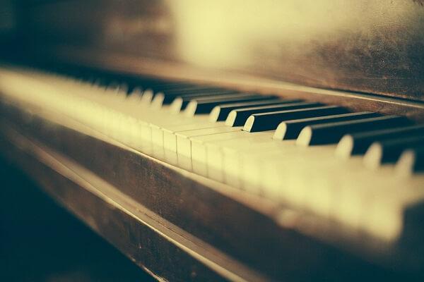 пианино, грустная музыка